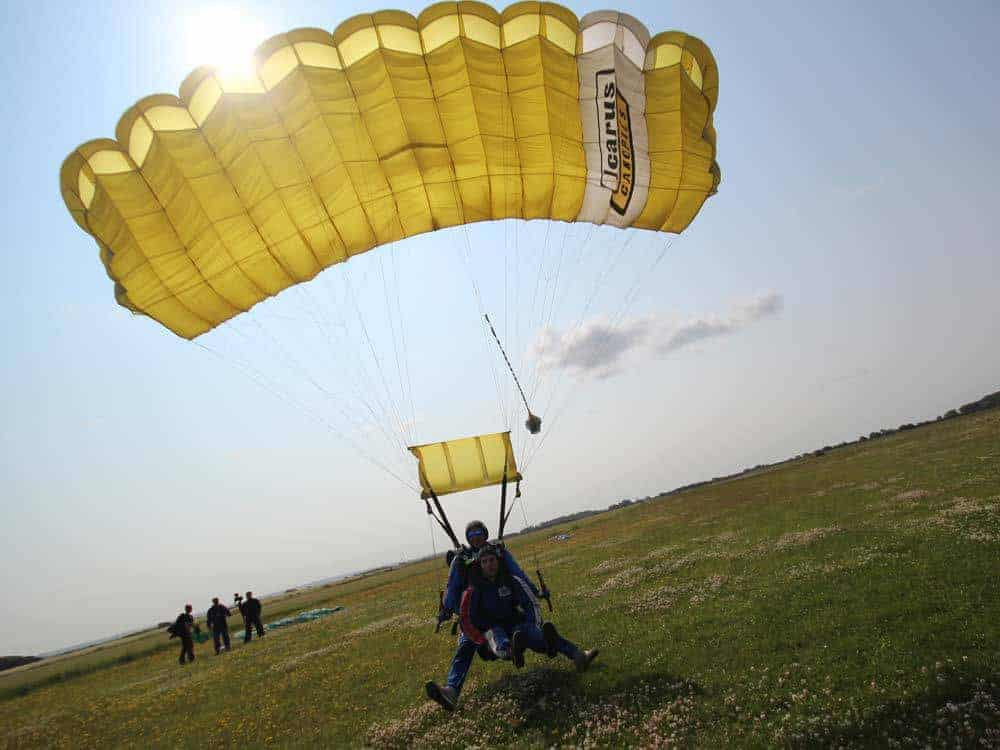 2 men on Tandem Skydive Loulé