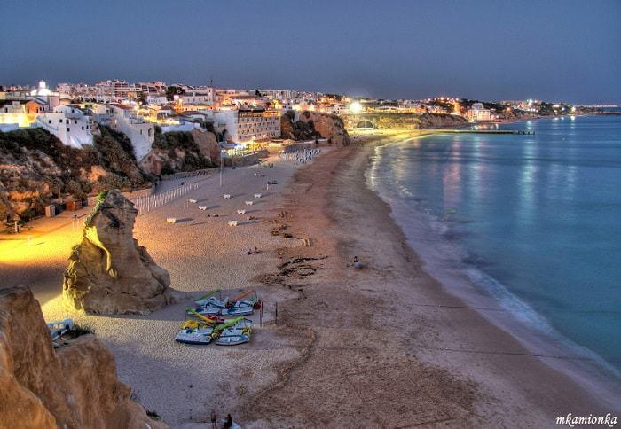La plage des pêcheurs d'Albufeira et la vieille ville