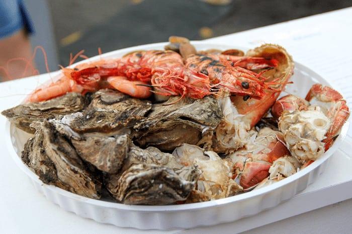 Plateau de fruits de mer au festival d'Olhão