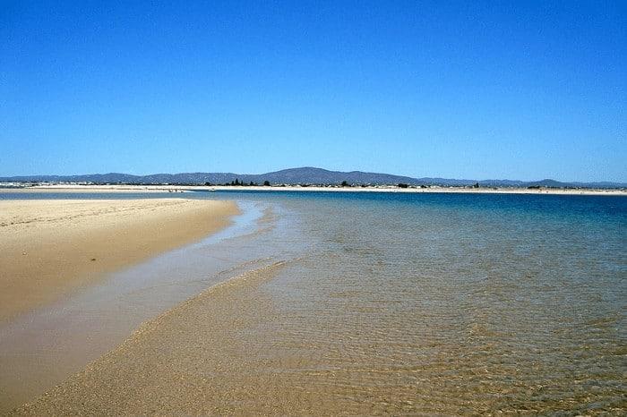 Une île près d'Olhão