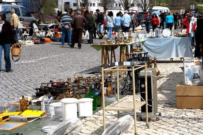 Mercado de rua no Algoz