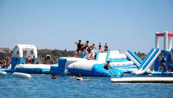 parque acuático inflable