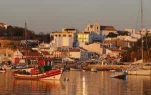Alvor ao Pôr do Sol.Com barcos ancorados no porto.