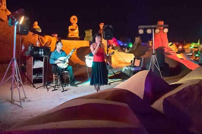 Le festival de sculpture de sable FIESA la nuit