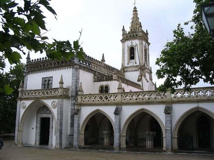exterior del museo Rainha D. Leonor