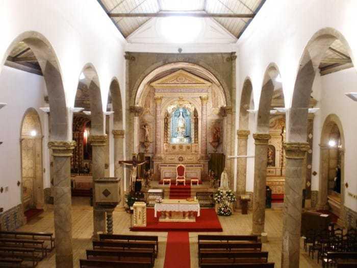 Igreja De São Sebastião Lagos Inside