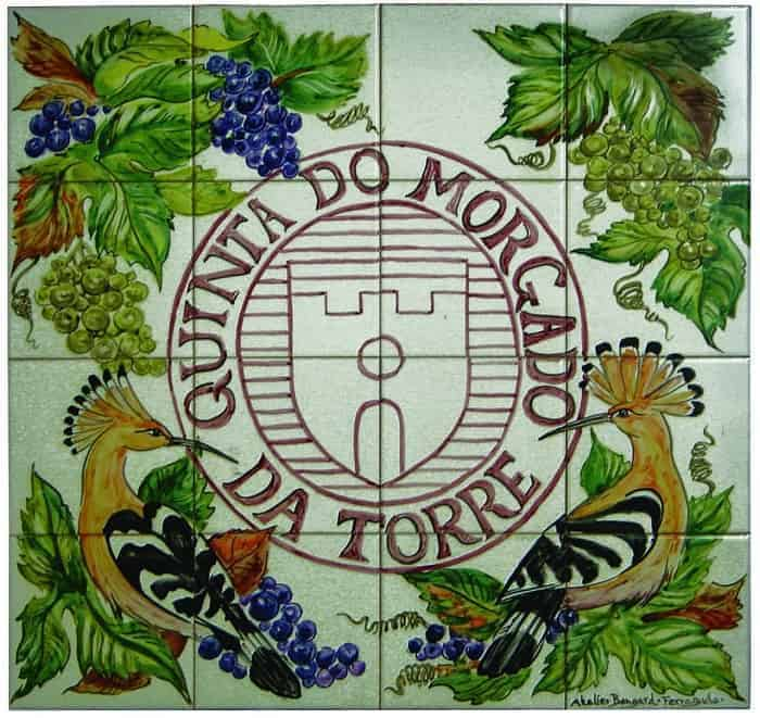 escudo en azulejos de Quinta do Morgado da Torre