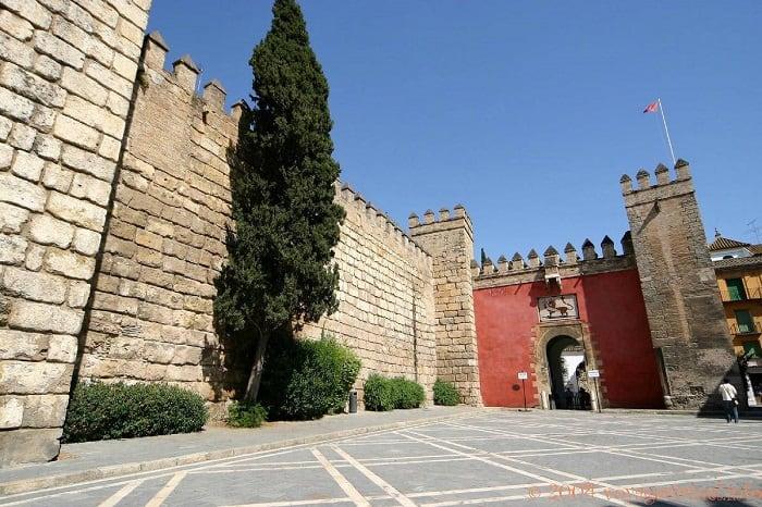 Puerta Del Leon, Seville